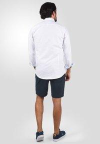 Solid - RAVI - Shorts - insignia blue - 2