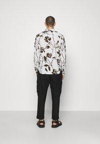 The Kooples - Overhemd - off white/black - 2
