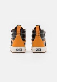 Vans - SK8 MTE 2.0 DX UNISEX - High-top trainers - apricot/black - 2
