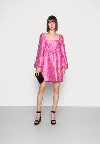 Samsøe Samsøe - SASHA DRESS - Sukienka koktajlowa - bubble gum pink - 1