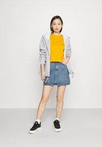 Fila - EARA TEE - T-shirt basic - flame orange - 1