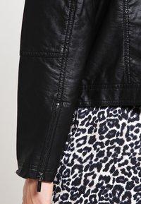 Zizzi - IMITATED JACKET - Faux leather jacket - black - 4