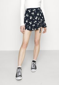 Hollister Co. - RUFFLE SKORT - Kraťasy - navy - 0
