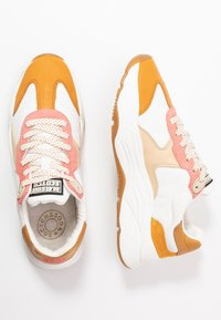 Scotch & Soda - CELEST - Sneakers laag - white/pink/multicolor - 3