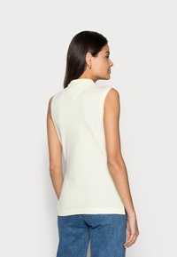 Tommy Hilfiger - SLIM NO SLEEVE - Top - yellow - 2