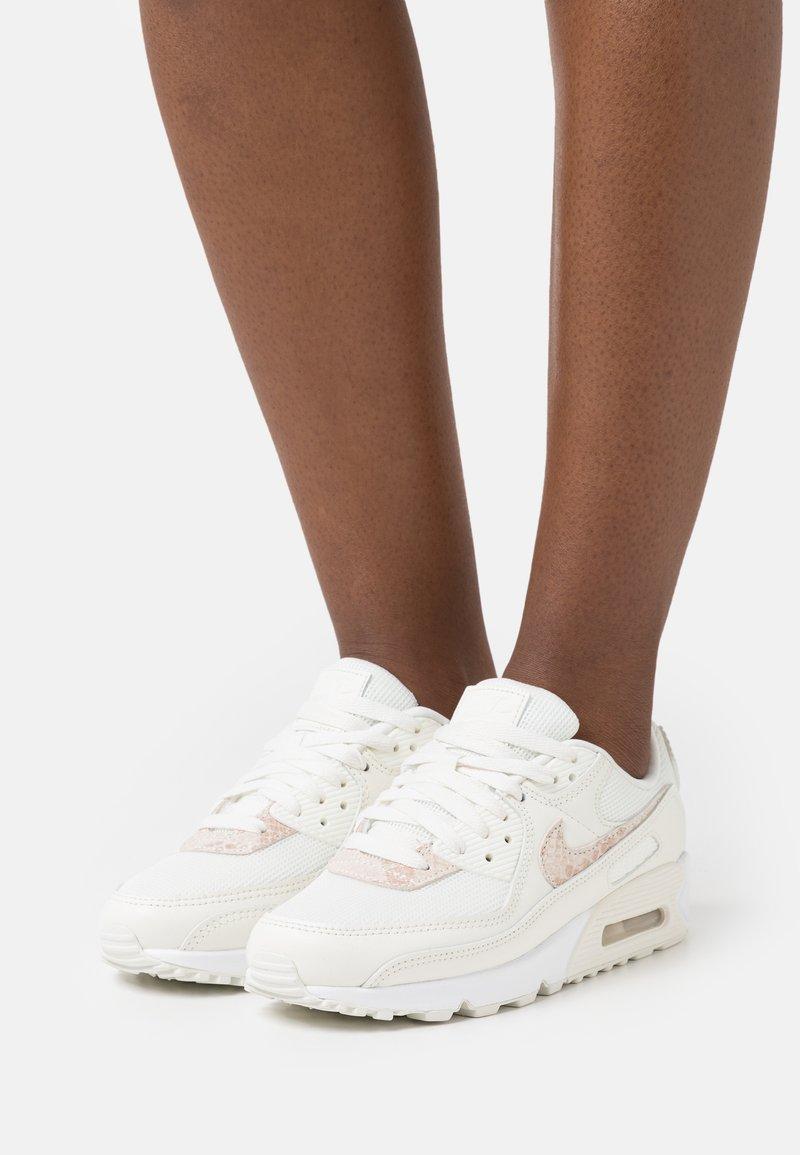 Nike Sportswear - AIR MAX 90 - Sneakers laag - sail/particle beige/white