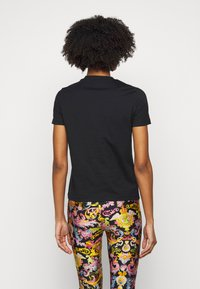 Versace Jeans Couture - TEE - Print T-shirt - black - 2