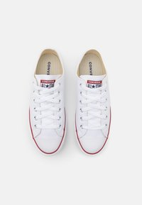Converse - CHUCK TAYLOR ALL STAR LIFT  - Zapatillas - white/garnet/midnight navy - 3