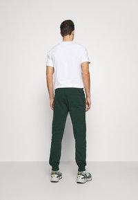 Pier One - Teplákové kalhoty - dark green - 2