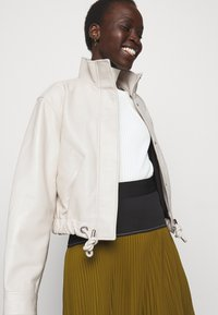 Proenza Schouler White Label - LIGHTWEIGHT DRAWSTRING WAIST JACKET - Leather jacket - ecru - 6