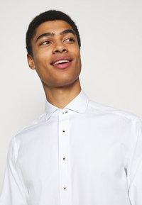 Hackett London - SLIM FIT - Shirt - white - 4