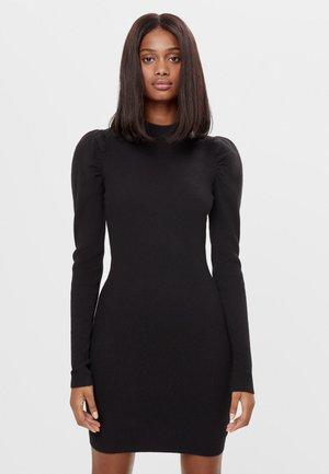 MIT RAFFUNG AN DEN SCHULTERN - Shift dress - black