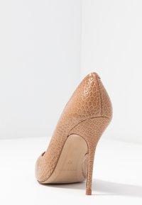 L'INTERVALLE - TEEVA - High heels - yango lajara - 5