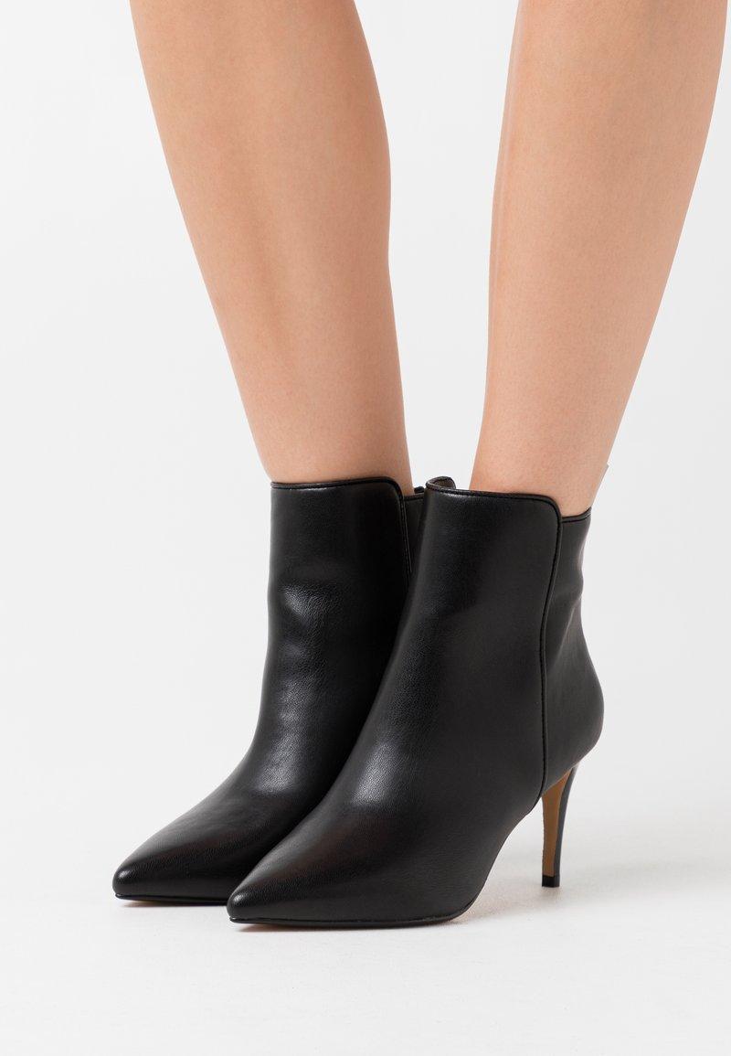 Buffalo - MALLORY - Classic ankle boots - black