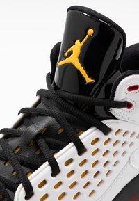 Jordan - MAXIN 200 - High-top trainers - white/dark sulfur/black/deep royal blue/gym red - 5