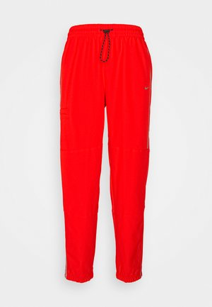 PANT - Tracksuit bottoms - chile red/metallic silver