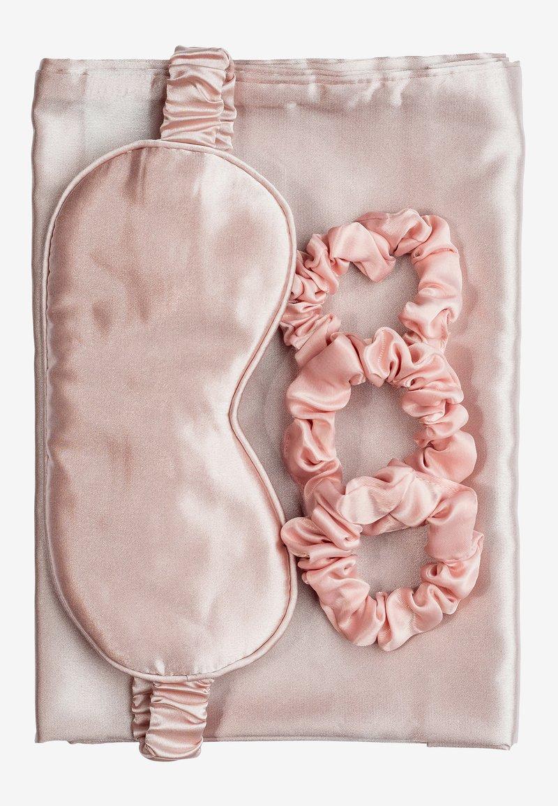 ZOË AYLA - SILKY BEAUTY SLEEP COLLECTION  - Akcesoria do pielęgnacji - pink