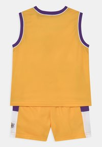 Outerstuff - NBA LOS ANGELES LAKERS SPACE JAM  ZONE DEFENSE SET UNISEX - Tracksuit - yellow - 1