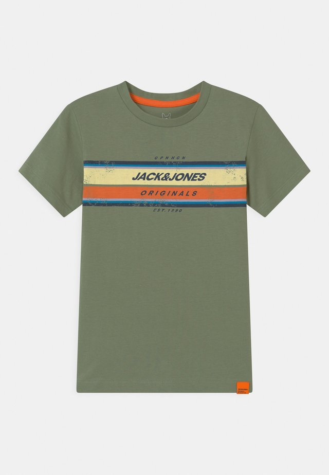 JORTYLER CREW NECK - T-shirts med print - sea spray