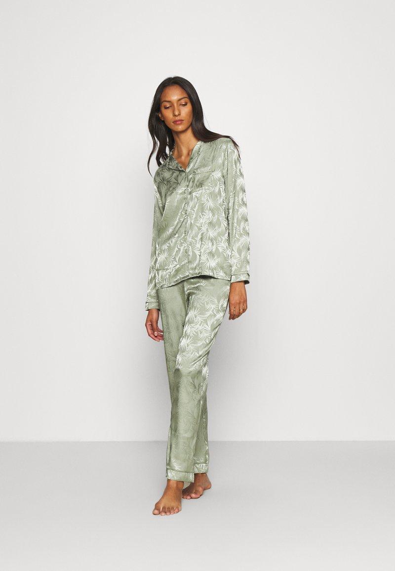Loungeable - LEAF TRADITIONAL LONG SLEEVE AND LONG PANTS - Pyjamas - multi