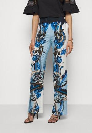 TROUSERS - Pantalon classique - light blue