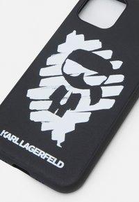 KARL LAGERFELD - IKONIK GRAFFITI CASE 11P - Etui na telefon - black - 3