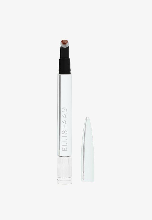 CREAMY LIPS - Vloeibare lippenstift - hazelnut