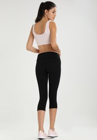 ONLY Play - Pantalon 3/4 de sport - black - 2