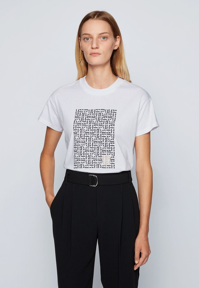 EILISSA - T-shirt con stampa - patterned
