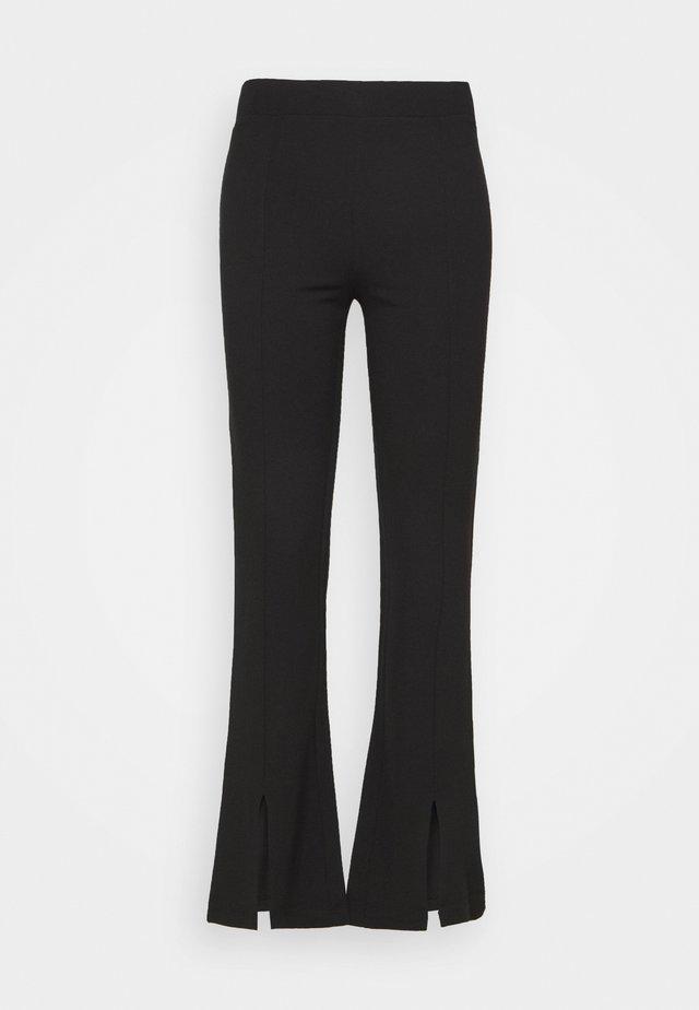 JDYPRETTY FLARE SLIT PANT  - Broek - black