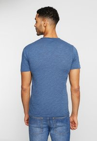 Only & Sons - ONSALBERT LIFE NEW TEE - Basic T-shirt - ensign blue - 2