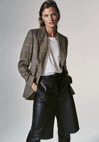 Massimo Dutti - Shorts - black - 0