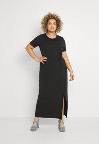 Vero Moda Curve - VMAVA LULU ANCLE DRESS - Maxi dress - black - 0