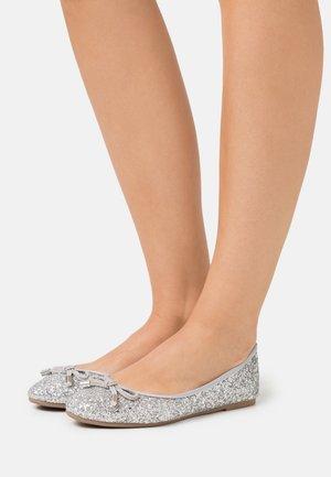 Ballet pumps - glitter silver