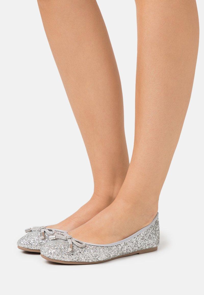 Dorothy Perkins - Ballerina - glitter silver