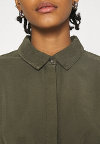 ONLY - ONLARIS LIFE PUFF SHORT DRESS - Shirt dress - kalamata - 4