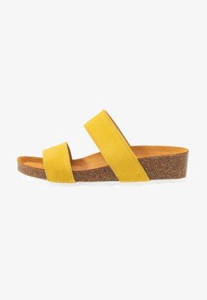 BIABETTY TWIN STRAP - Matalakantaiset pistokkaat - yellow