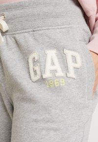 GAP - GAP LOGO - Teplákové kalhoty - light heather grey - 4