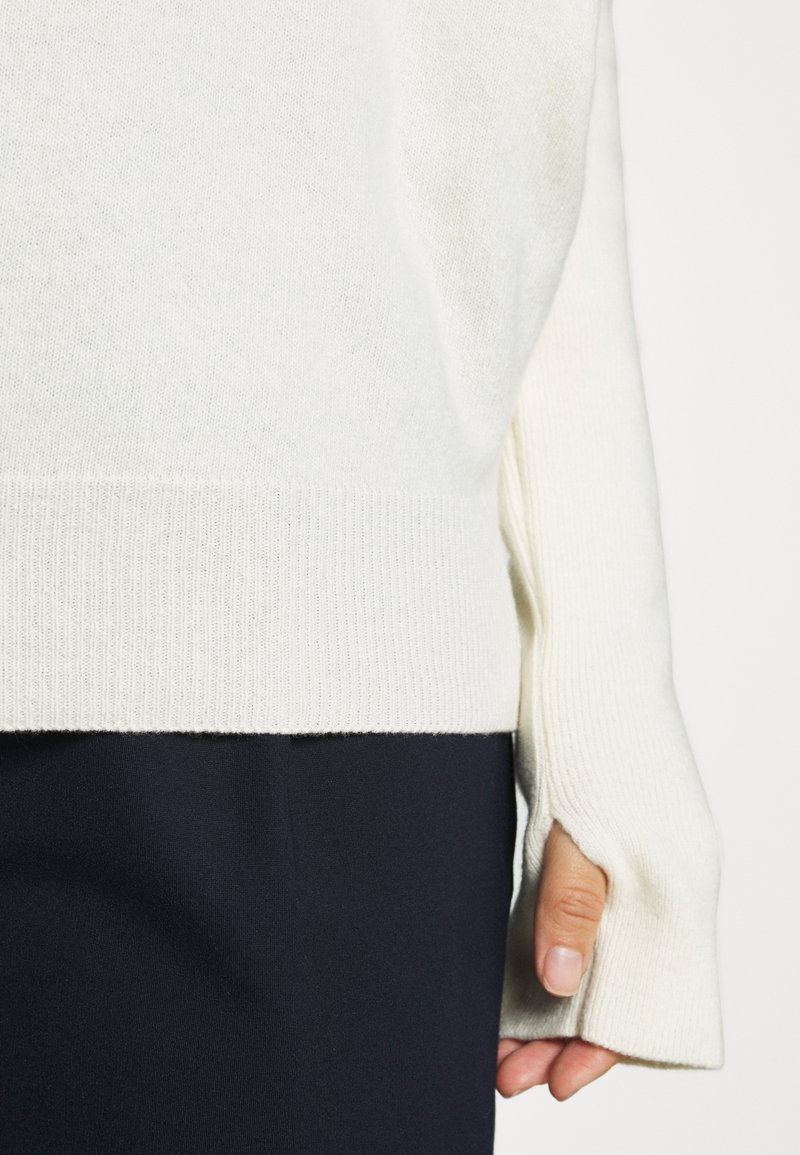 Benetton TURTLE NECK - Strickpullover - offwhite qrbREh