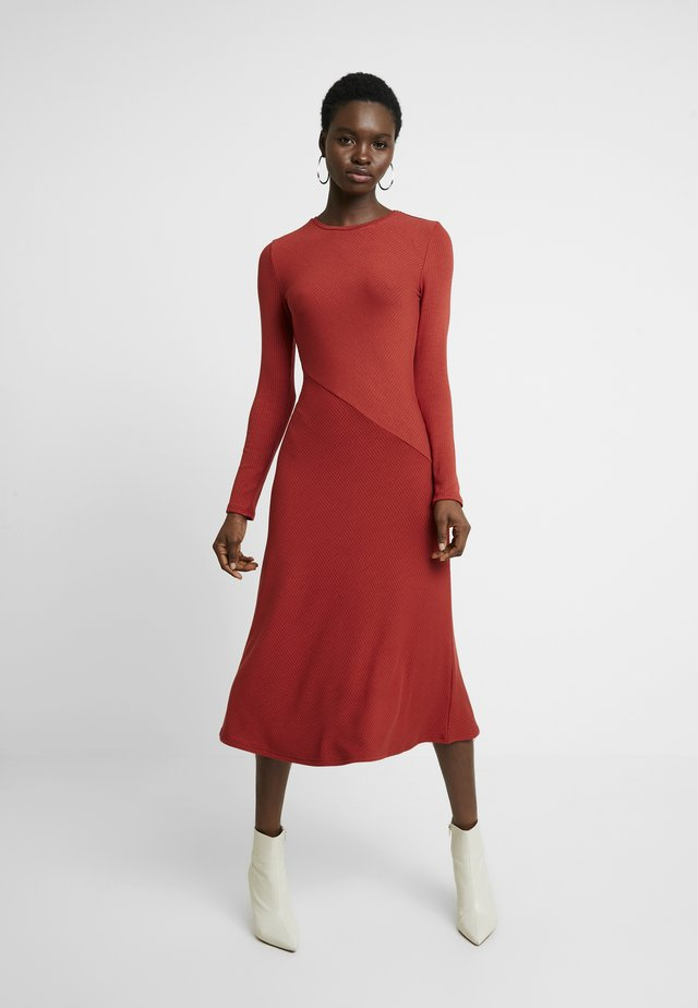 BASIC - Jumper dress - red