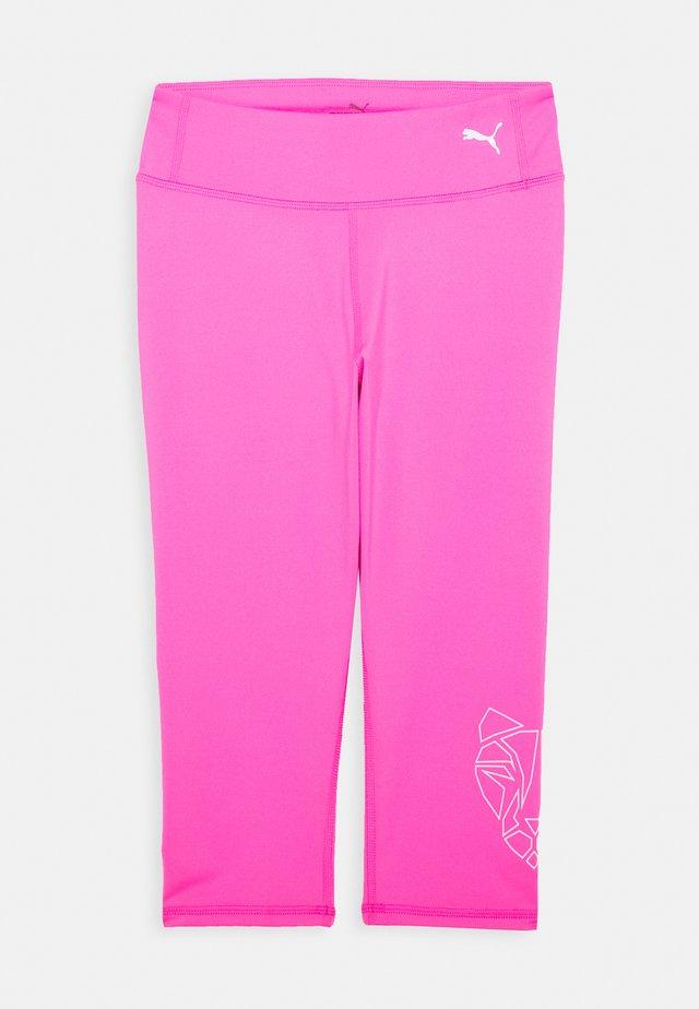 RUNTRAIN 3/4 - 3/4 sports trousers - luminous pink
