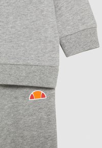 Ellesse - SIMMZ BABY SET - Sweatshirt - grey marl - 3