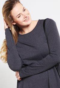 Zalando Essentials Curvy - Jersey dress - dark grey melange - 3