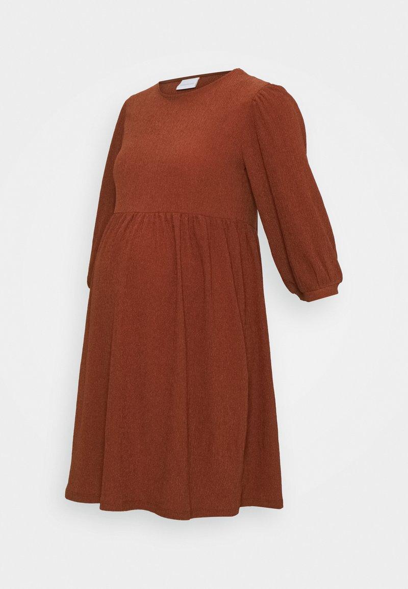 MAMALICIOUS - MLPAULA SHORT DRESS - Žerzejové šaty - burnt russet
