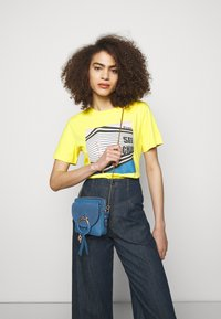 See by Chloé - JOAN CAMERA BAG - Across body bag - moonlight blue - 0