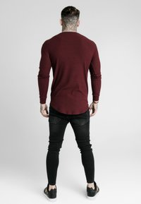 SIKSILK - LONG SLEEVE BRUSHED GYM TEE - T-shirt à manches longues - burgundy - 2