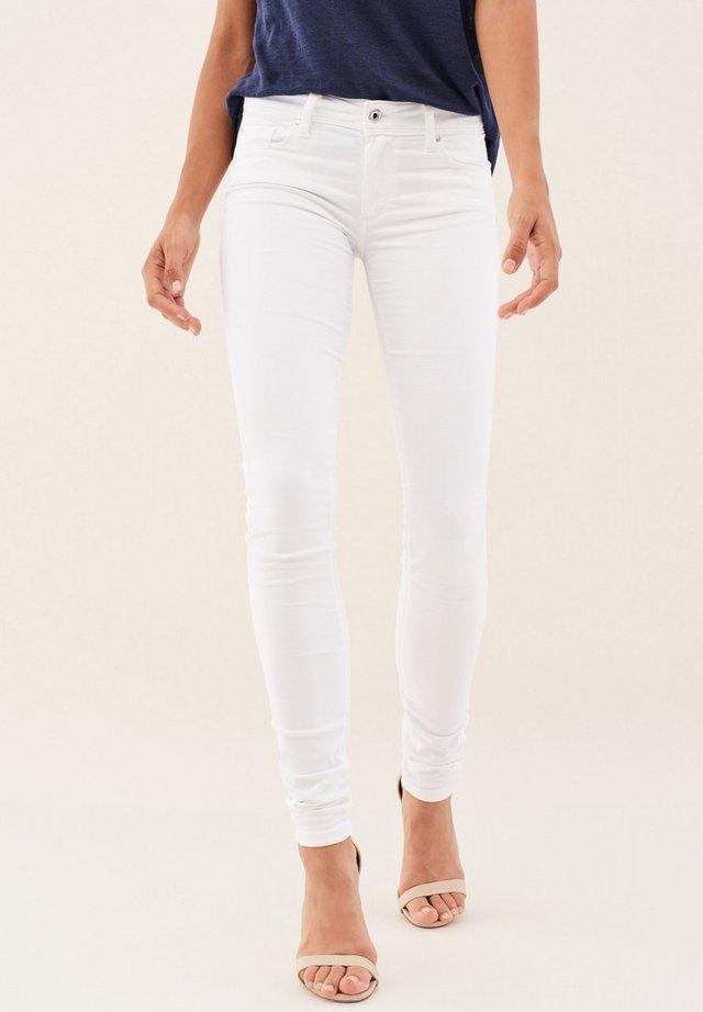 PUSH UP SKINNY - Jeans Skinny - weiß_0001