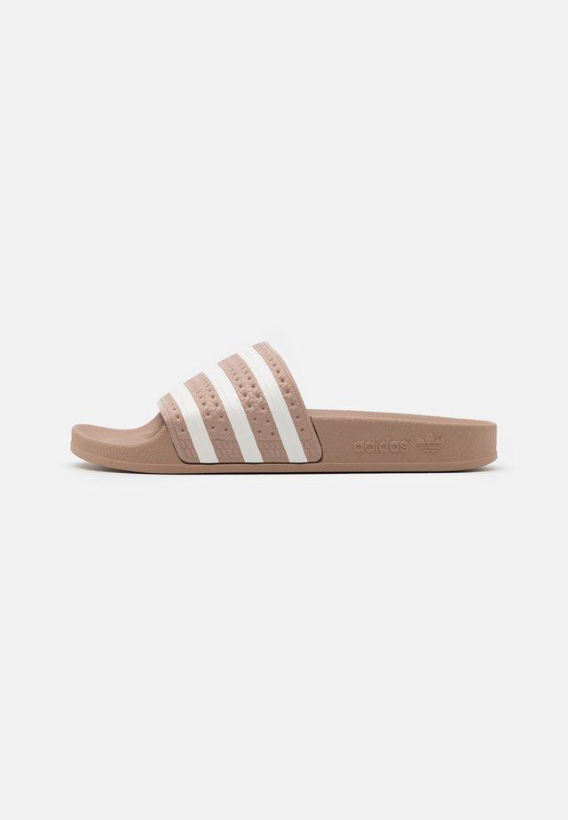 ADILETTE UNISEX - Pantofle - pale nude/offwhite