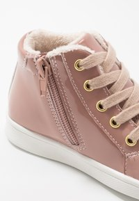 Friboo - Sneakersy wysokie - old pink - 5
