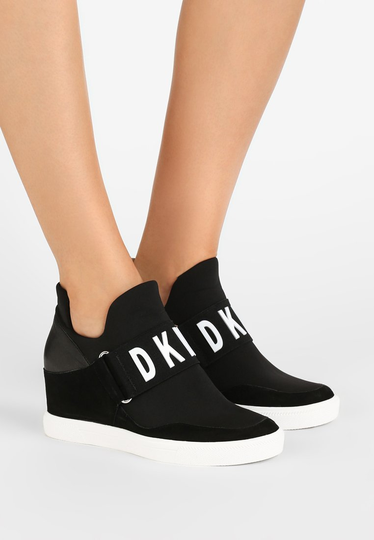 DKNY - COSMOS - Trainers - black